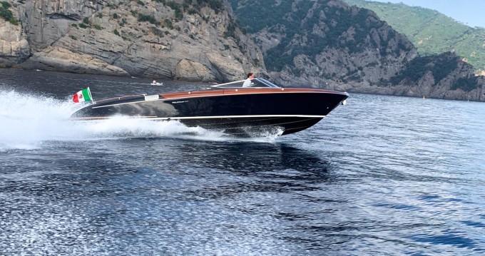 Boat rental Aquariva Super 33' in Portofino on Samboat