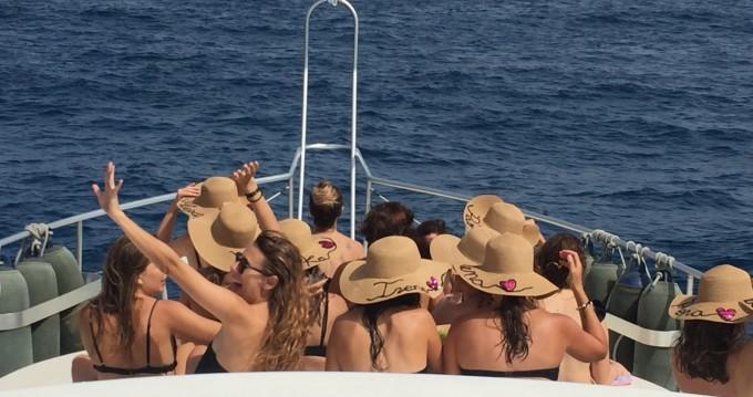 Boat rental Dénia cheap Astondoa 50 GLX