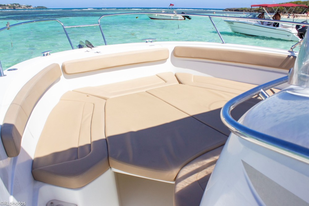 Motorboat for rent Le Gosier at the best price