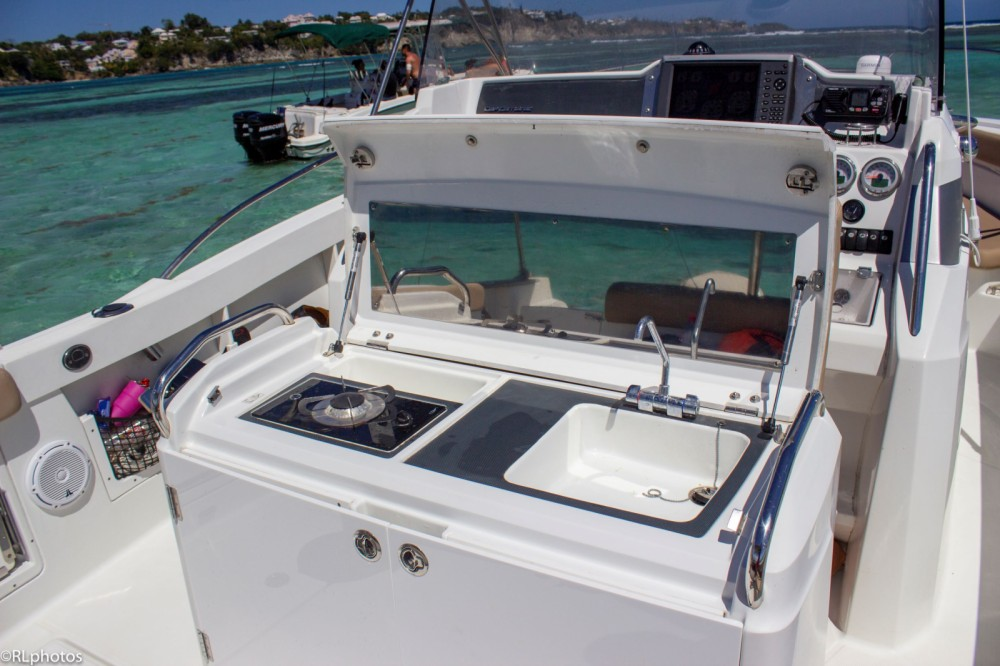 Hire Motorboat with or without skipper Jeanneau Le Gosier
