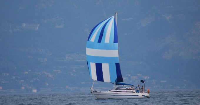 Hire Sailboat with or without skipper Comet  Bardolino