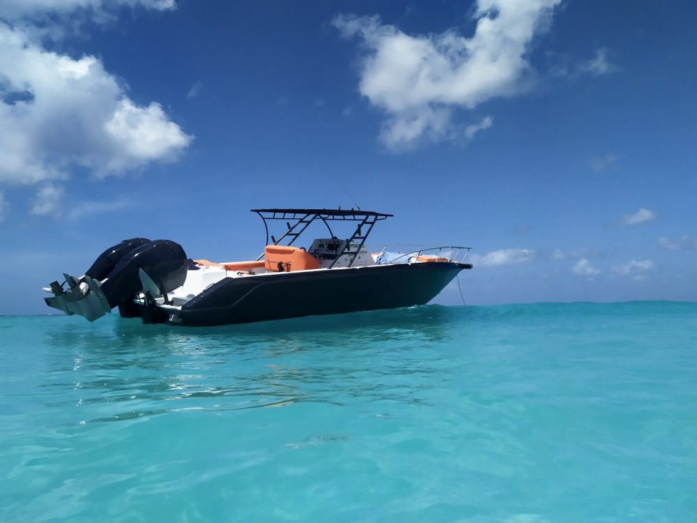 Rental Motorboat DONZI with a permit