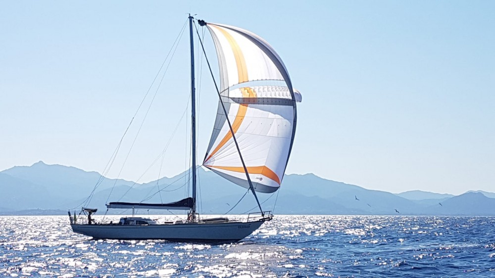 Sailboat for rent Lavagna at the best price