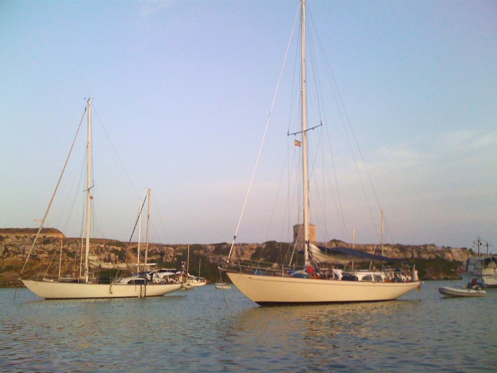 Hire Sailboat with or without skipper Columbia Lavagna