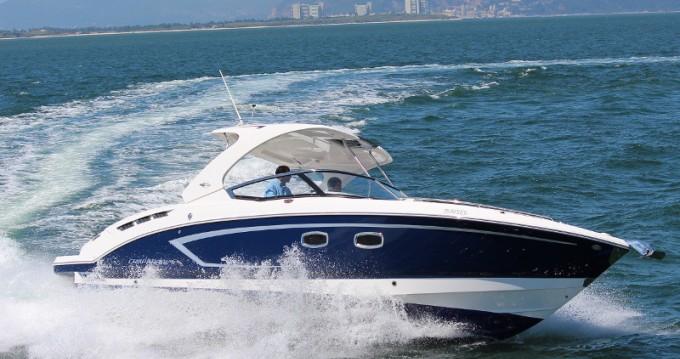 Rental yacht Setúbal - Chaparral Chaparral 327 SSX on SamBoat