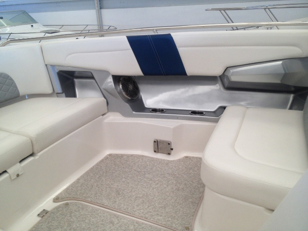 Hire Motor boat with or without skipper Chaparral Setúbal