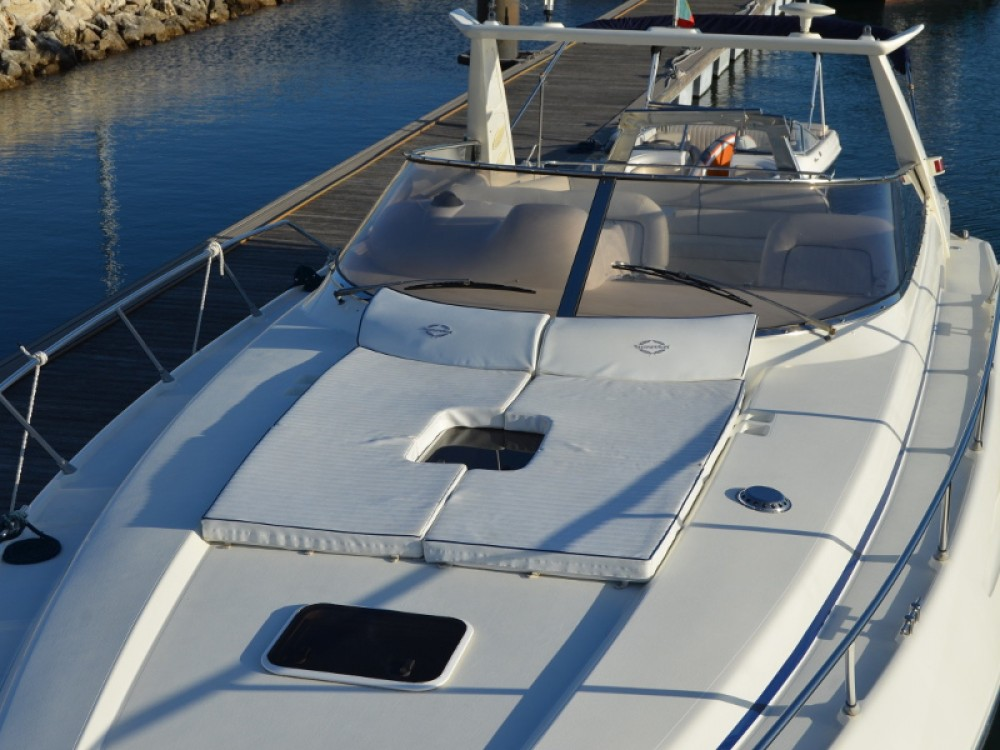 Hire Motorboat with or without skipper Sunseeker Setúbal