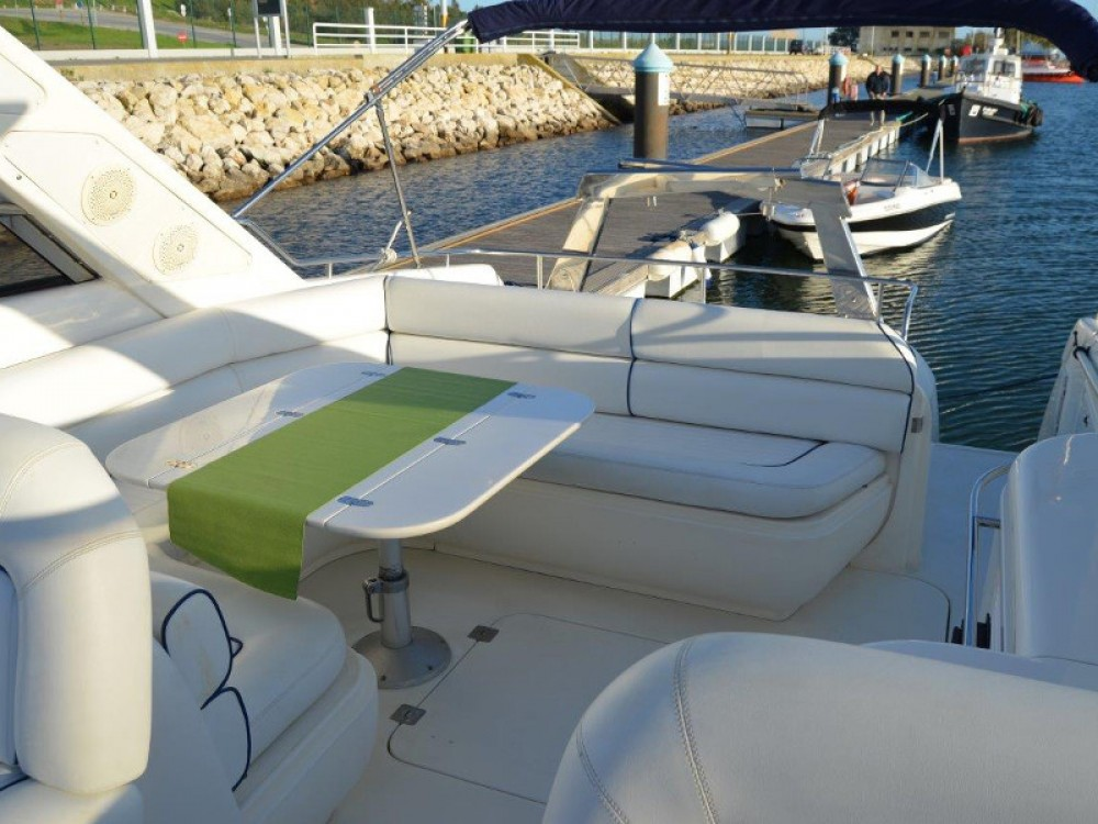 Sunseeker Mustique 42 between personal and professional Setúbal
