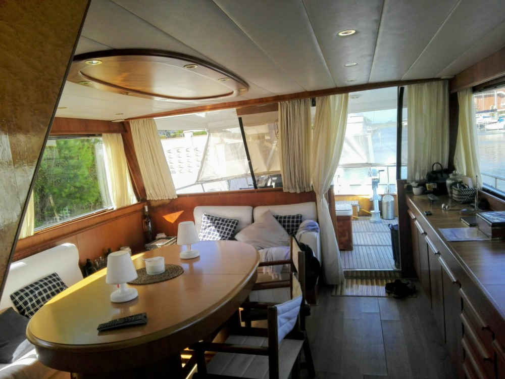 Hire Yacht with or without skipper Cantieri Di Pisa Roses