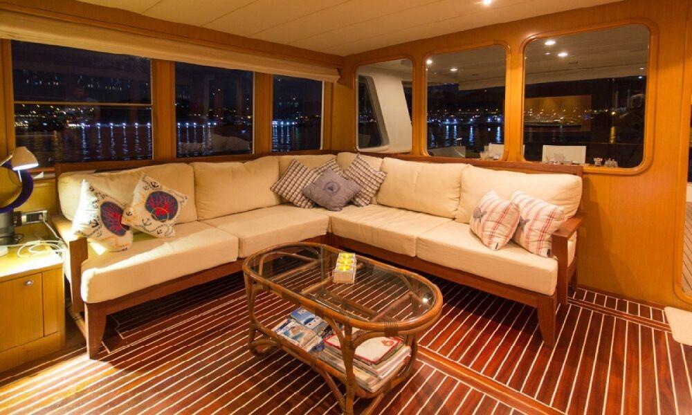 Boat rental  cheap Trawler