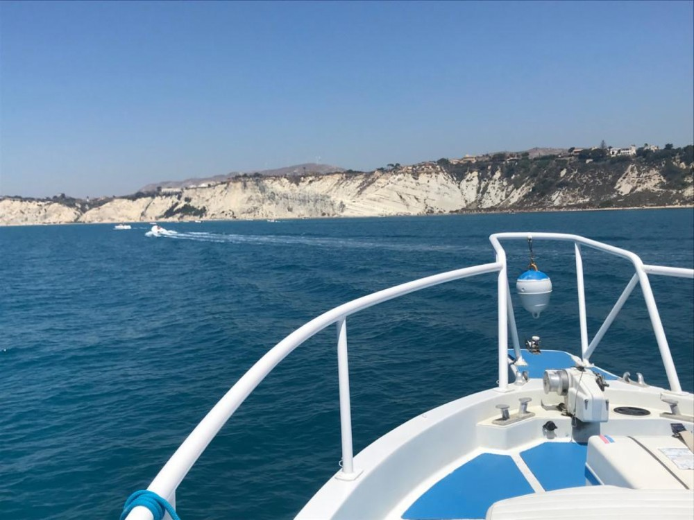 Rental Motor boat Calafuria with a permit