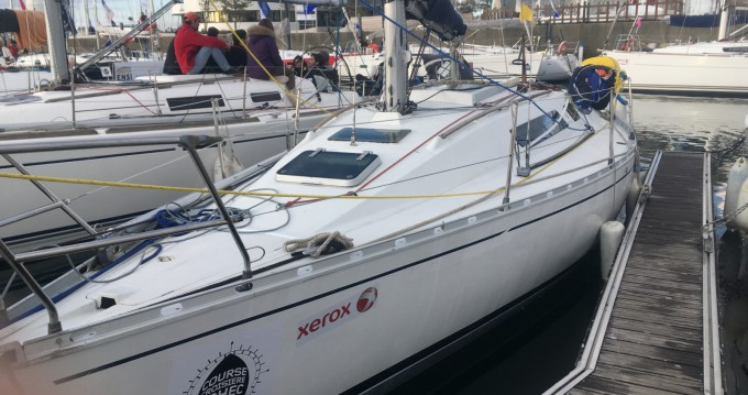 Sailboat for rent Île-Tudy at the best price