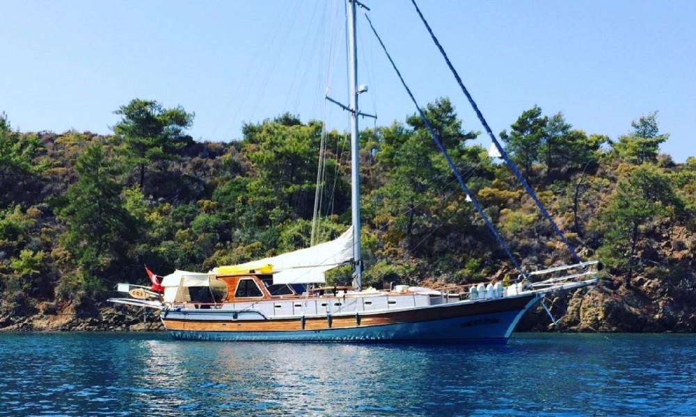 Custom Made Gulet between personal and professional Aegean Region