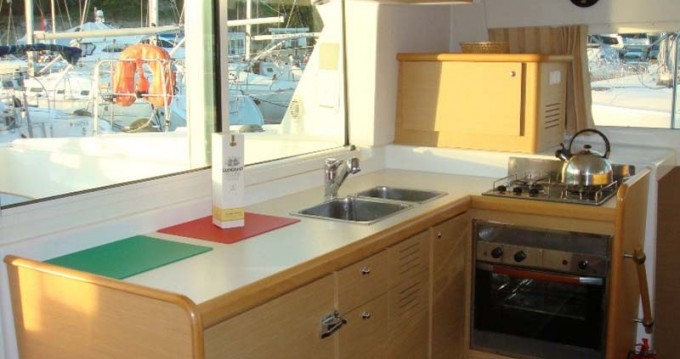 Boat rental Athens cheap Lagoon 420