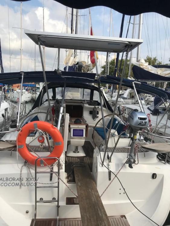 Boat rental Elan Elan 434 Impression in Palma on Samboat