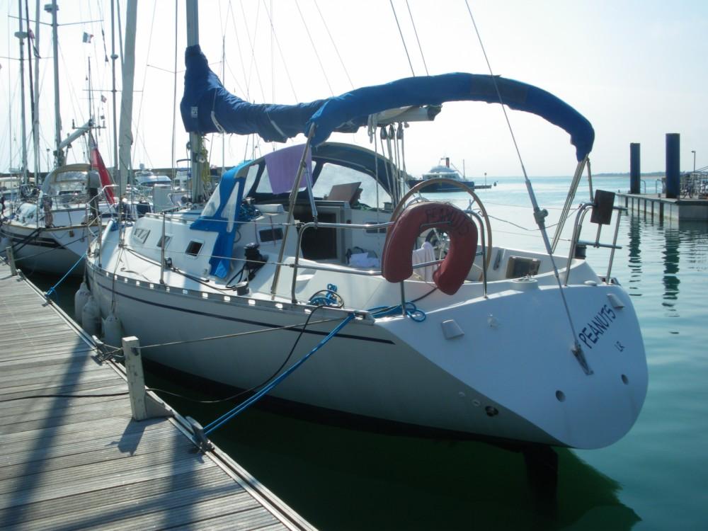 Rental Sailboat in La Rochelle - Bénéteau First 375
