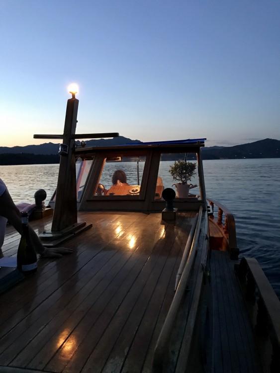 Rent a Cantiere Lampedusa Gozzo cabinato legno Porto Azzurro