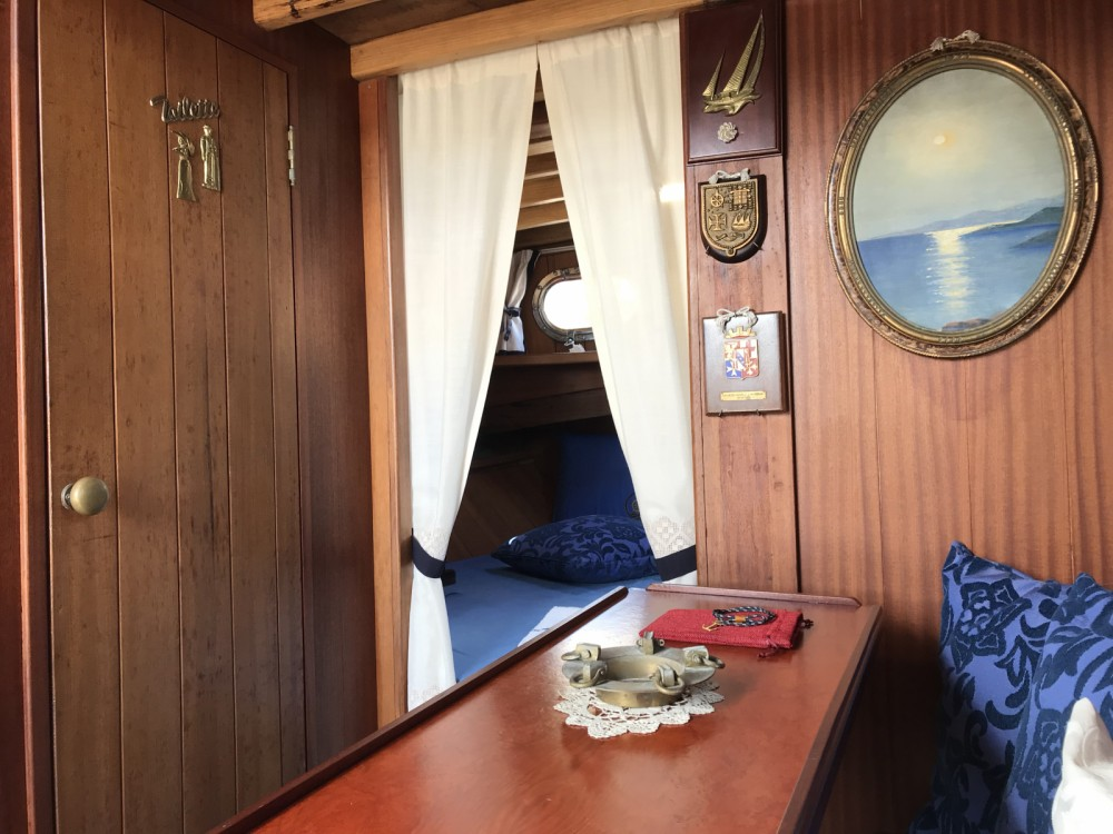 Hire Motor boat with or without skipper Cantiere Lampedusa Porto Azzurro