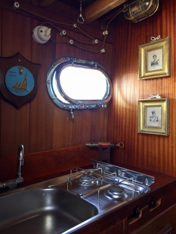 Motor boat for rent Porto Azzurro at the best price