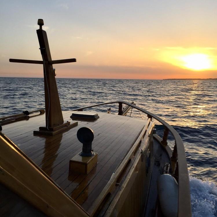 Boat rental Cantiere Lampedusa Gozzo cabinato legno in Porto Azzurro on Samboat