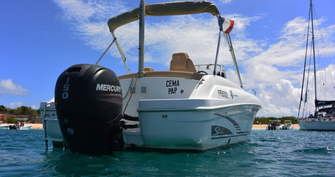 Motorboat for rent Marigot at the best price