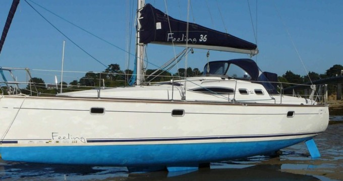 Sailboat for rent Port-Haliguen at the best price