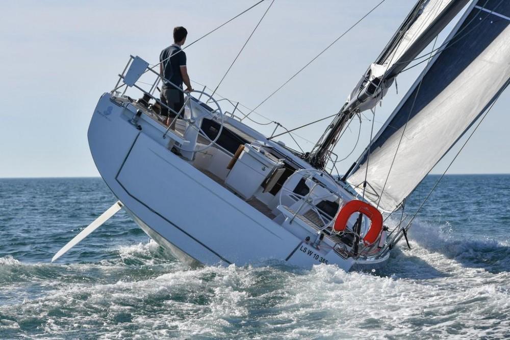 Rental Sailboat in Aegean - Bénéteau Oceanis 461