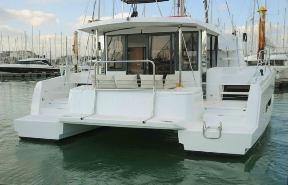 Rental Catamaran Bali Catamarans with a permit