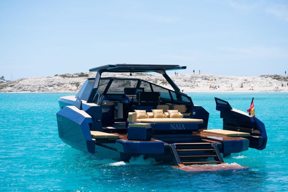 Rent a EVO Yachts EVO 43 Eivissa