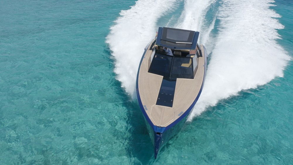 Hire Motor boat with or without skipper EVO Yachts Eivissa
