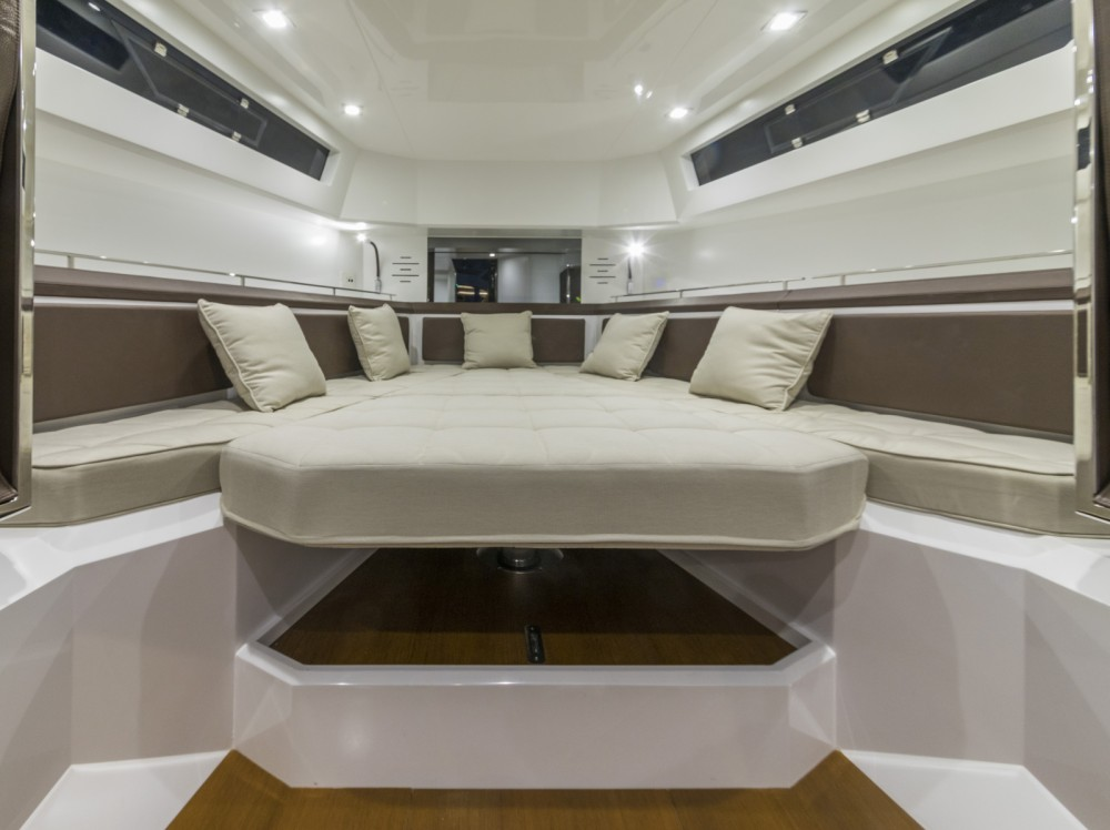 Hire Motor boat with or without skipper EVO Eivissa