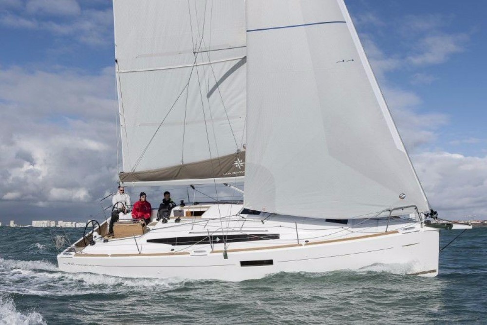 Jeanneau Sun Odyssey 349 between personal and professional Laurium