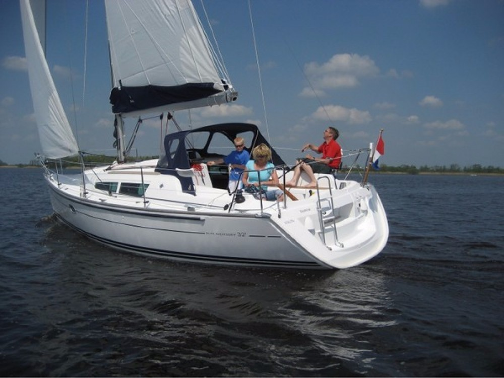 Jeanneau Sun Odyssey 32 between personal and professional