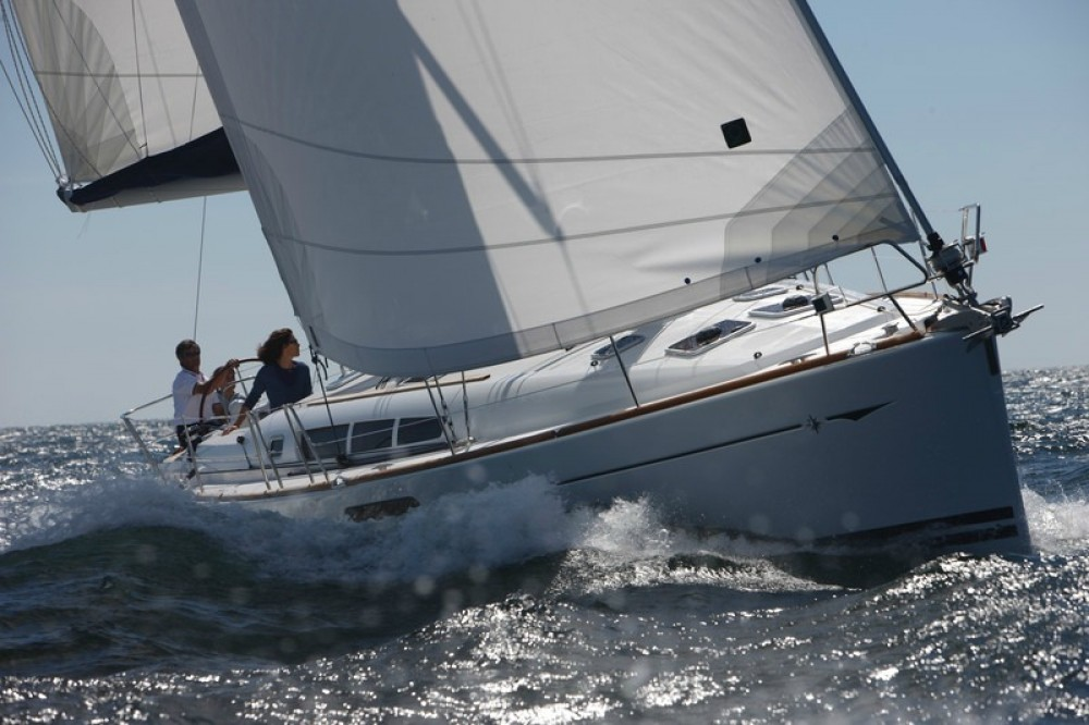 Rental yacht Peloponnese, West Greece and Ionian Sea - Jeanneau Sun Odyssey 44i on SamBoat