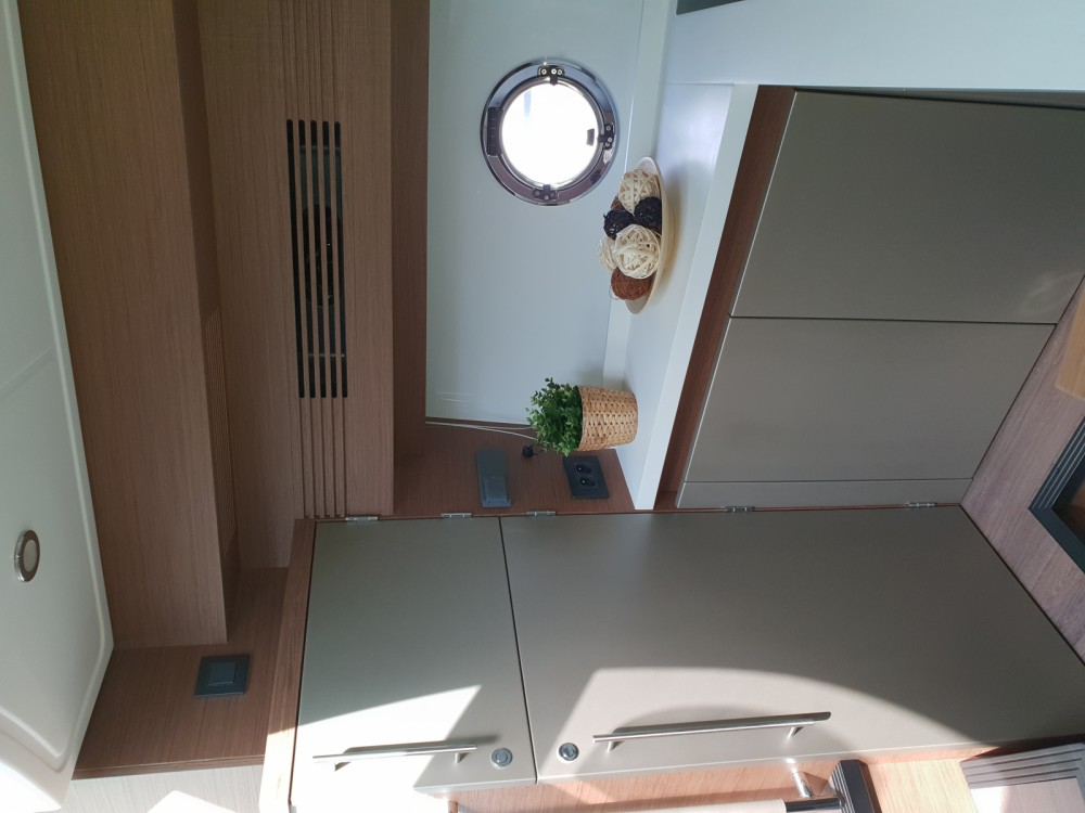 Motor boat for rent Calvi at the best price