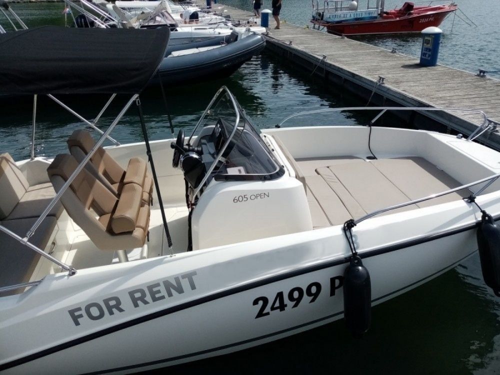 Boat rental Quicksilver 605 Active Open in Pula on Samboat