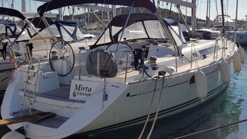 Rental yacht Volos - Jeanneau Sun Odyssey 49i on SamBoat