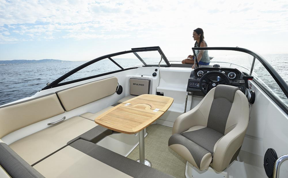 Bayliner VR5 OE between personal and professional Mandelieu-la-Napoule