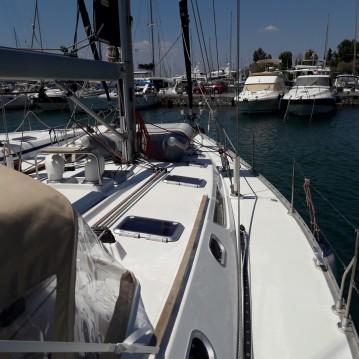 Rental Sailboat in Alimos - Jeanneau Sun Odyssey 52.2