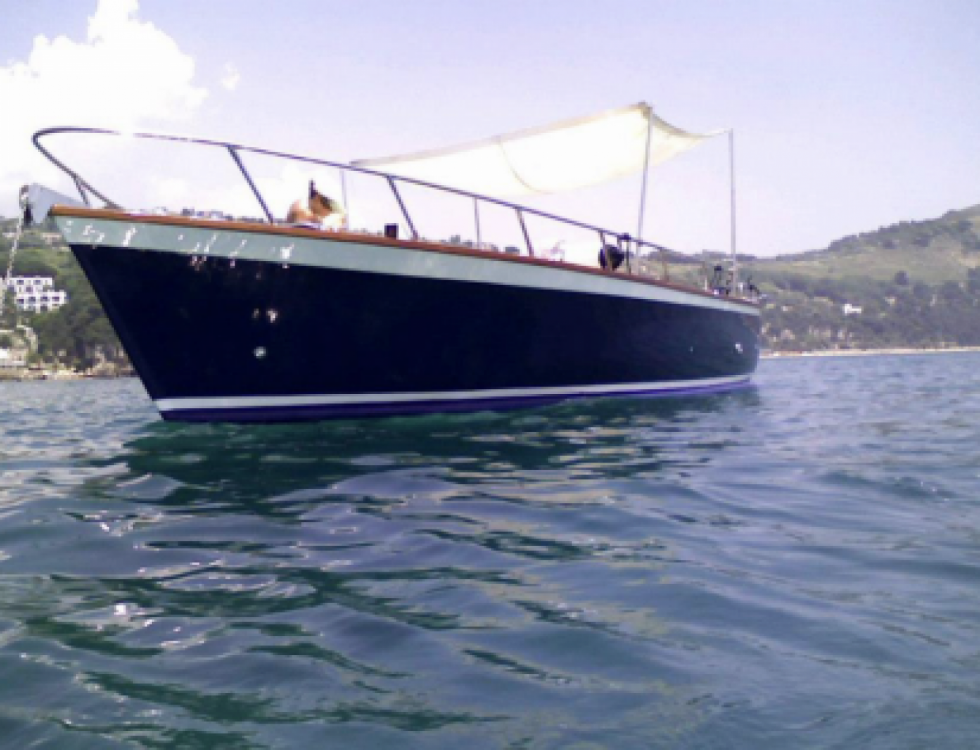 Motorboat for rent Gaeta at the best price