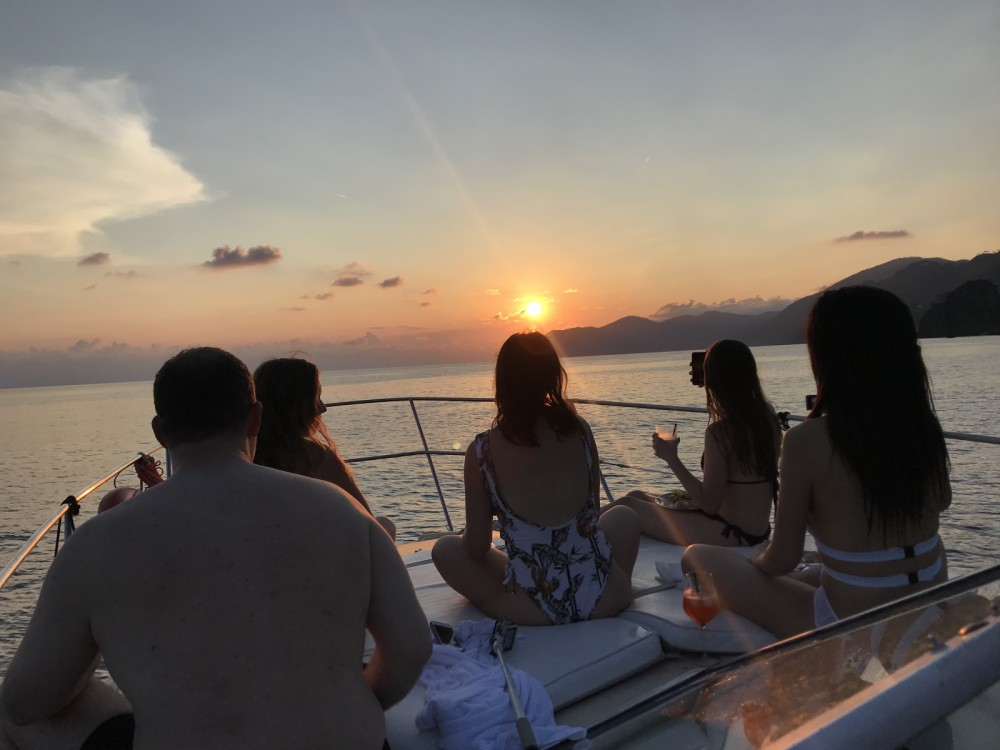 Hire Motorboat with or without skipper Azimut La Spezia