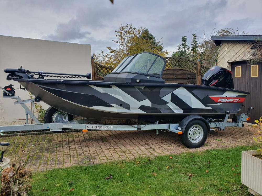 Motor boat for rent Pontault-Combault at the best price