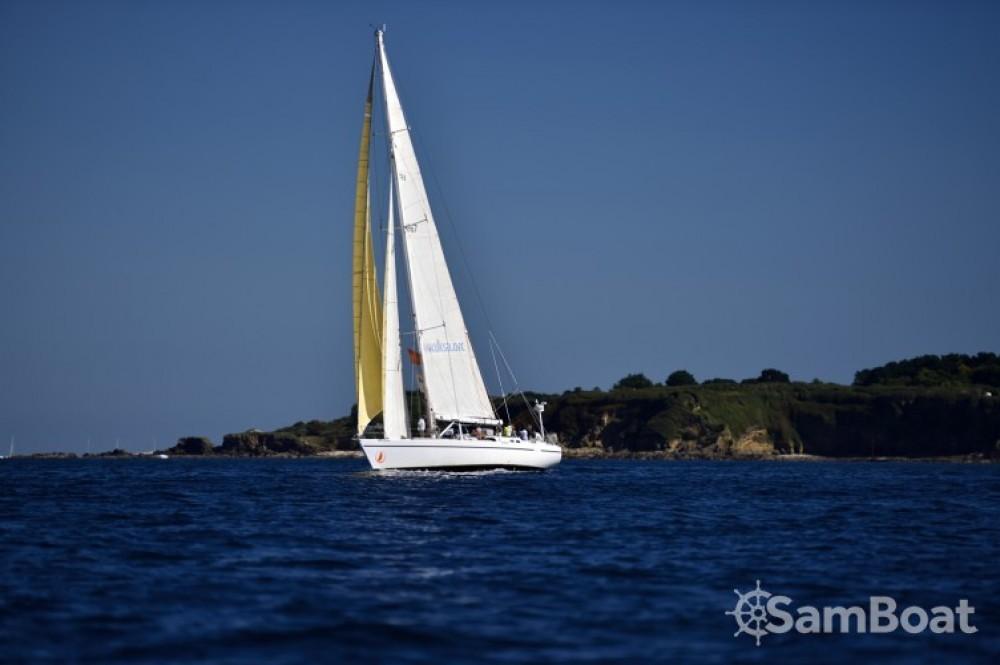 Rental Sailboat in Pointe-à-Pitre - Devonport-Yachts-Ltd Challenge 67