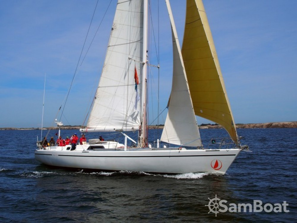 Boat rental Devonport-Yachts-Ltd Challenge 67 in Pointe-à-Pitre on Samboat