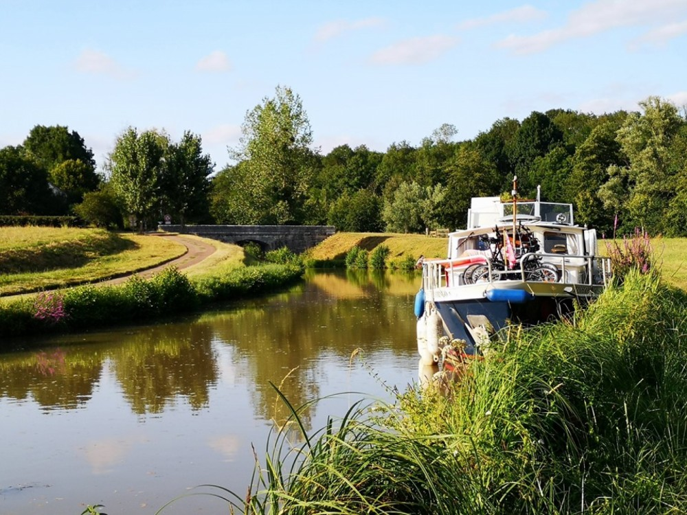 Hire Canal boat with or without skipper Stevens Saint-Florentin