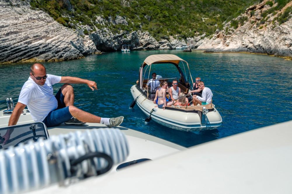 Boat rental Split cheap Shark bf23