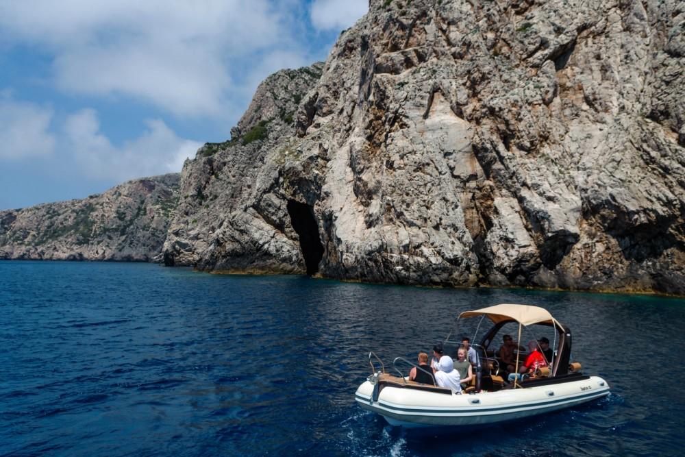 Boat rental Baracuda Shark bf23 in Split on Samboat