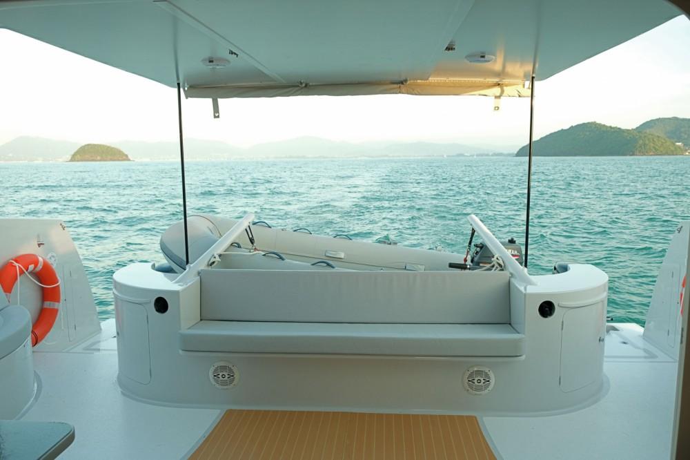 Rental yacht Mueang Phuket - Stealth 38  Power Cat on SamBoat