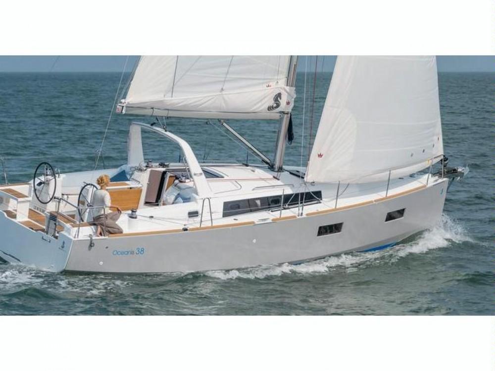 Rental Sailboat in  -  Oceanis 38