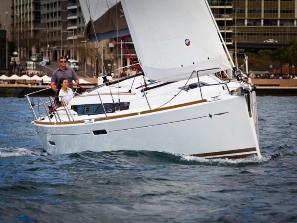Boat rental Nieuwpoort cheap Sun Odyssey 379